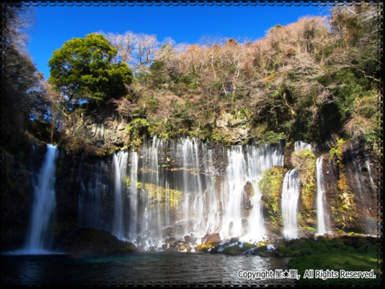 白糸 の 滝