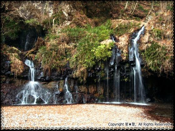 陣馬の滝 (富士宮)---富士宮市観光ガイド『駿河湾★百景』